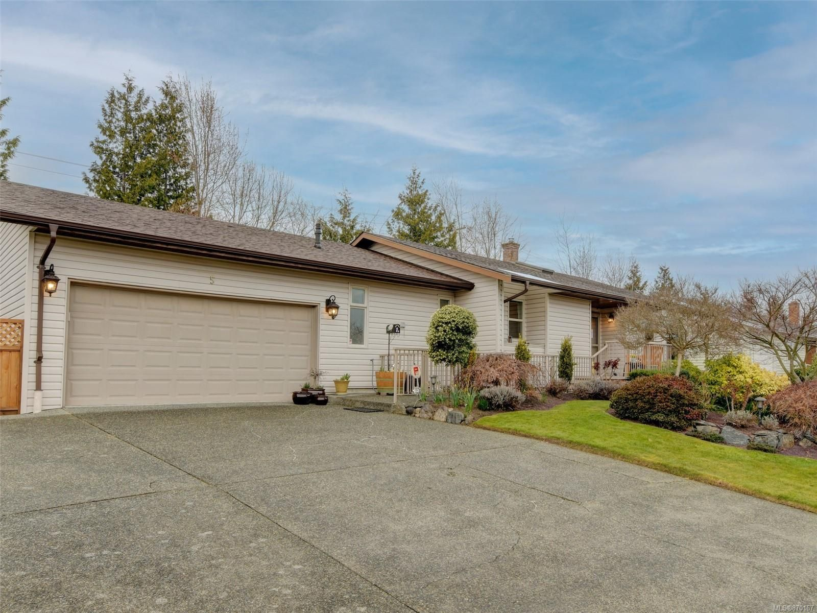 Main Photo: 5 2558 Ferguson Rd in : CS Turgoose House for sale (Central Saanich)  : MLS®# 870167