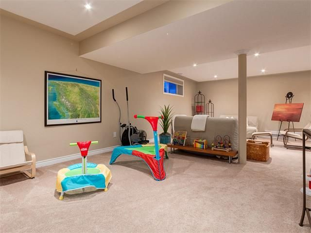 Photo 33: Photos: 40 COUGARSTONE Manor SW in Calgary: Cougar Ridge House for sale : MLS®# C4087798