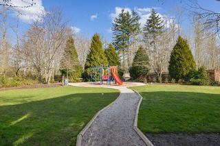 """Photo 22: 15 18983 72A Avenue in Surrey: Clayton Townhouse for sale in """"The Kew"""" (Cloverdale)  : MLS®# R2542771"""