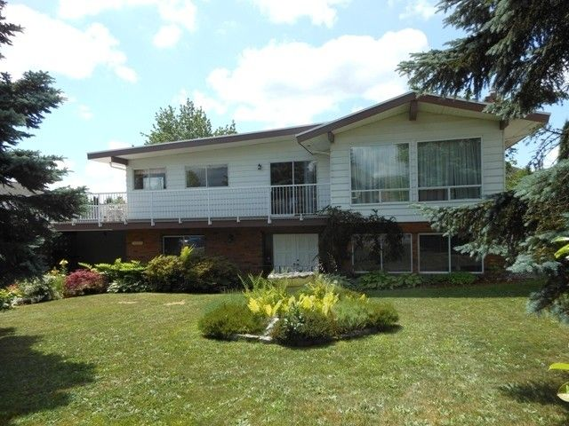 Main Photo: 27132 26 Avenue in Langley: Aldergrove Langley House for sale : MLS®# F1445197
