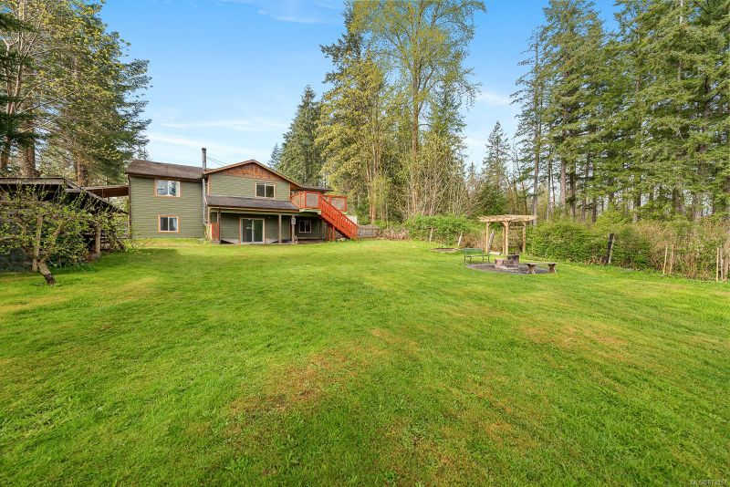 FEATURED LISTING: 76 Leash Rd