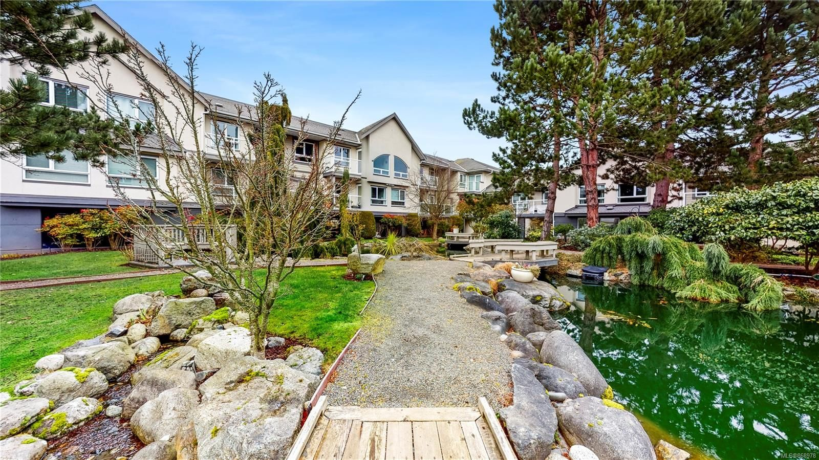 Main Photo: 229 2245 James White Blvd in Sidney: Si Sidney North-East Condo for sale : MLS®# 868978