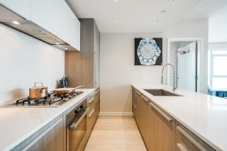 """Photo 13: 1905 1221 BIDWELL Street in Vancouver: West End VW Condo for sale in """"Alexandra"""" (Vancouver West)  : MLS®# R2616206"""