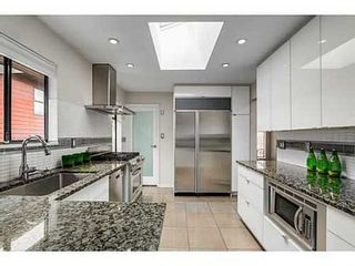 Photo 4: 3846 MOUNTAIN Highway in North Vancouver: Home for sale : MLS®# V1071128