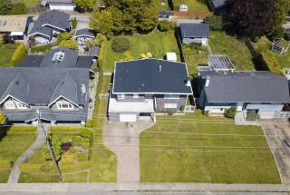 Photo 1: 846 E 16TH Street in North Vancouver: Boulevard House for sale : MLS®# R2580959