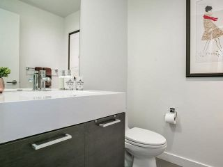 Photo 9: 733 90 Broadview Avenue in Toronto: South Riverdale Condo for sale (Toronto E01)  : MLS®# E3926308