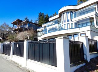 "Photo 31: 14591 GORDON Avenue: White Rock House for sale in ""West side Hillside"" (South Surrey White Rock)  : MLS®# R2543220"