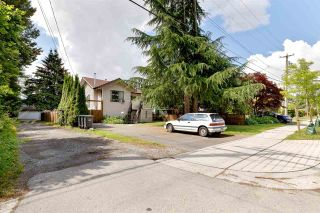 Photo 3: 1736 LANGAN Avenue in Port Coquitlam: Lower Mary Hill House for sale : MLS®# R2592455