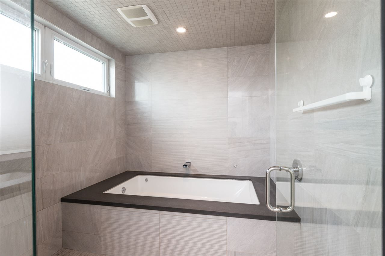 """Photo 14: Photos: 894 W 19TH Avenue in Vancouver: Cambie House for sale in """"CAMBIE"""" (Vancouver West)  : MLS®# R2484635"""