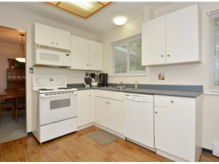 """Photo 6: 15909 GOGGS Avenue: White Rock House for sale in """"White Rock"""" (South Surrey White Rock)  : MLS®# F1424836"""