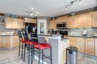 Photo 3: 143 COUGARSTONE Garden SW in Calgary: Cougar Ridge Detached for sale : MLS®# C4295738