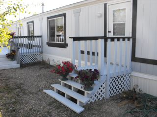Photo 2: 5005 56 Street: Elk Point Manufactured Home for sale : MLS®# E4223667