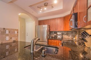 """Photo 5: 208 55 E 10TH Avenue in Vancouver: Mount Pleasant VE Condo for sale in """"Abbey Lane"""" (Vancouver East)  : MLS®# R2169638"""