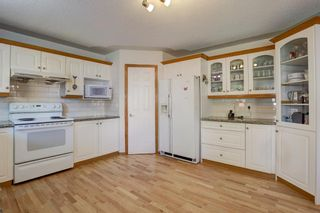 Photo 13: 359 Mountain Park Drive SE in Calgary: McKenzie Lake Detached for sale : MLS®# A1148818