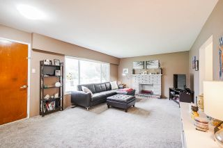 Photo 5: 3317 HANDLEY Crescent in Port Coquitlam: Lincoln Park PQ House for sale : MLS®# R2503021