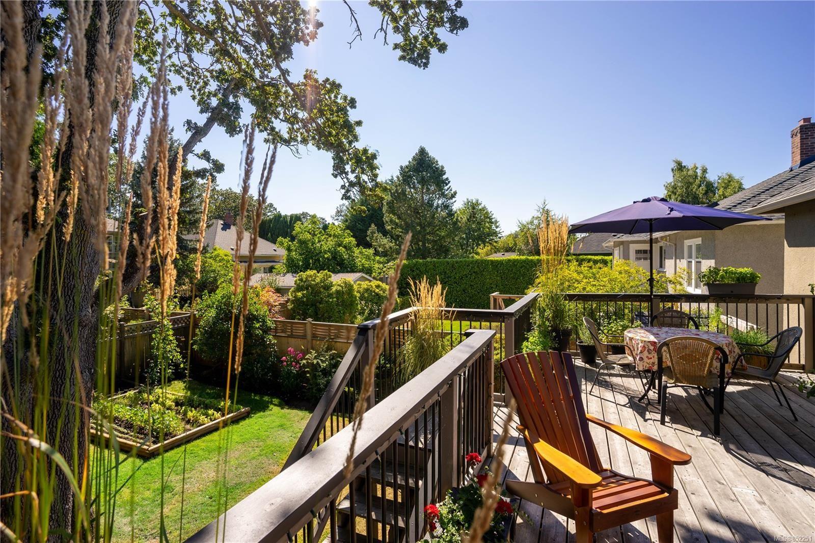 Photo 29: Photos: 2363 Pacific Ave in : OB Estevan House for sale (Oak Bay)  : MLS®# 852251