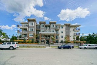 Photo 2: 102 19940 BRYDON Crescent in Langley: Langley City Condo for sale : MLS®# R2575972