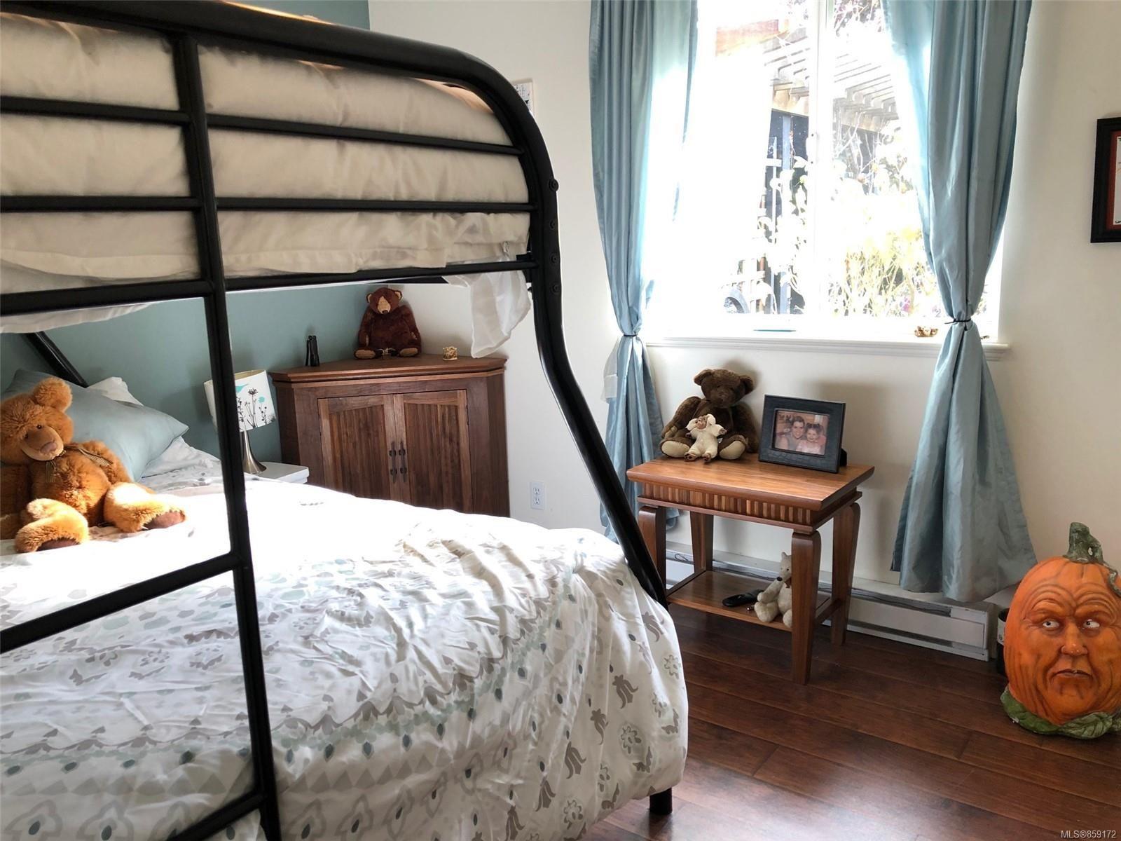 Photo 8: Photos: 1723 Karen's Crt in : PQ Qualicum North House for sale (Parksville/Qualicum)  : MLS®# 859172