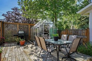 Photo 2: 131 Woodridge Place SW in Calgary: Woodlands Detached for sale : MLS®# A1142990