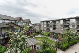 """Photo 10: 204 6706 192 Diversion in Surrey: Clayton Townhouse for sale in """"One92"""" (Cloverdale)  : MLS®# R2070967"""