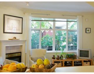 "Photo 10: 105 2588 ALDER Street in Vancouver: Fairview VW Condo for sale in ""BOLLERT PLACE"" (Vancouver West)  : MLS®# V766148"
