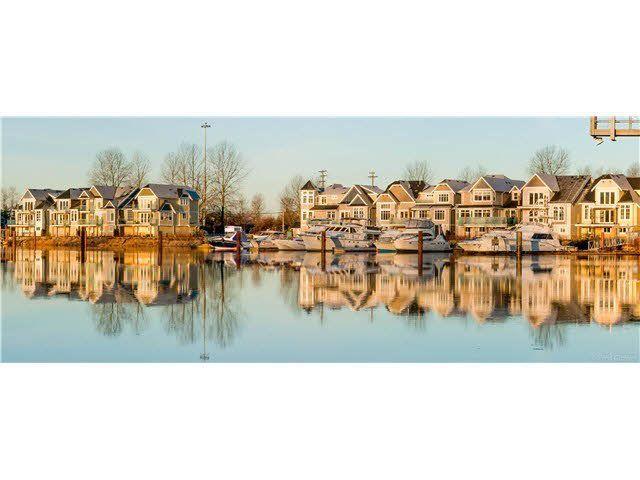 Main Photo: 2 23740 DYKE ROAD in : Hamilton RI House for sale : MLS®# V1127355