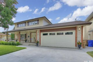 Main Photo: 27 Rink Avenue in Regina: Walsh Acres Residential for sale : MLS®# SK862661