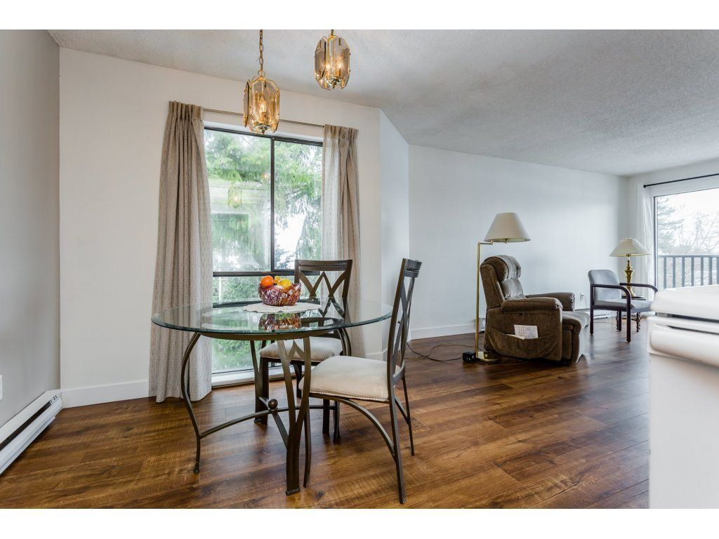 """Photo 3: Photos: 303 9952 149 Street in Surrey: Guildford Condo for sale in """"Tall Timbers"""" (North Surrey)  : MLS®# R2241309"""