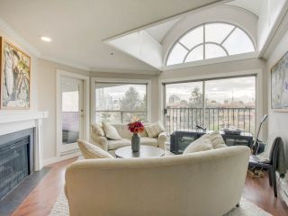 """Photo 3: 408 525 WHEELHOUSE Square in Vancouver: False Creek Condo for sale in """"HENLEY COURT"""" (Vancouver West)  : MLS®# R2123953"""