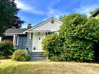 Photo 1: 3151 W 45TH Avenue in Vancouver: Kerrisdale House for sale (Vancouver West)  : MLS®# R2395654
