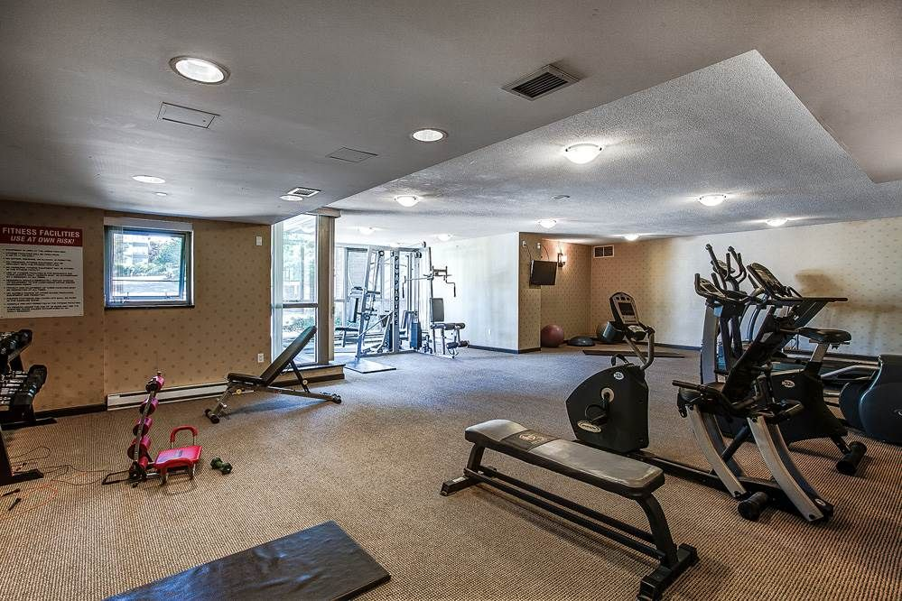"""Photo 18: Photos: 403 235 GUILDFORD Way in Port Moody: North Shore Pt Moody Condo for sale in """"THE SINCLAIR"""" : MLS®# R2187020"""