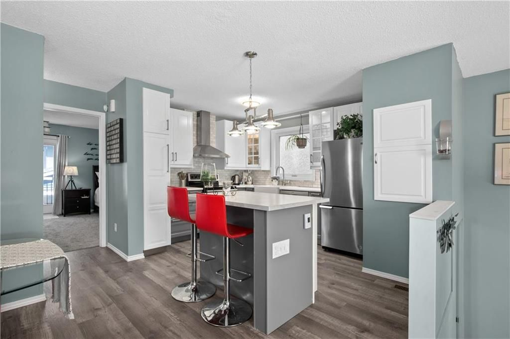 Photo 6: Photos: 57 Maitland Drive in Winnipeg: River Park South Residential for sale (2F)  : MLS®# 202116351