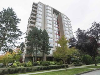 """Photo 5: 504 2108 W 38TH Avenue in Vancouver: Kerrisdale Condo for sale in """"The Wilshire"""" (Vancouver West)  : MLS®# R2400833"""