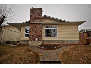 Photo 1: 3307 48 Street NE in Calgary: Whitehorn House for sale : MLS®# C4003900