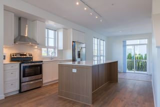 """Photo 3: 74 8476 207A Street in Langley: Willoughby Heights Townhouse for sale in """"YORK by Mosaic"""" : MLS®# R2108289"""