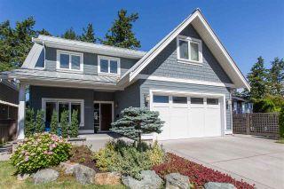 Photo 2: 3003 MCBRIDE Avenue in Surrey: Crescent Bch Ocean Pk. House for sale (South Surrey White Rock)  : MLS®# R2487492