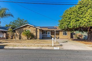 Photo 1: SOUTHEAST ESCONDIDO House for sale : 3 bedrooms : 850 Begonia Street in Escondido