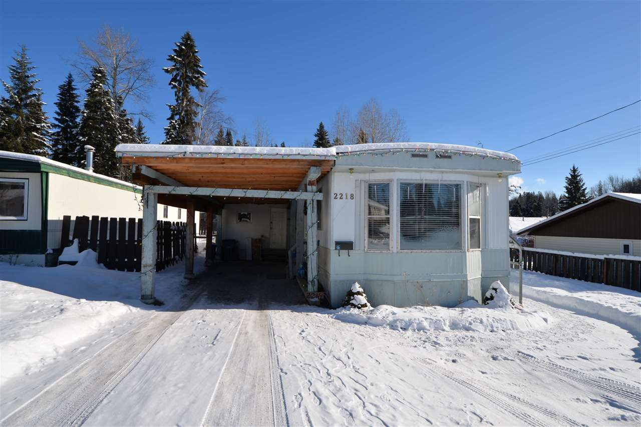 "Main Photo: 2218 WALKER Road in Prince George: Aberdeen PG Manufactured Home for sale in ""Aberdeen"" (PG City North (Zone 73))  : MLS®# R2538172"