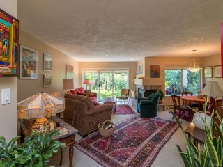Photo 2: 676 Pine Ridge Dr in COBBLE HILL: ML Cobble Hill House for sale (Malahat & Area)  : MLS®# 793391