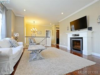 Photo 2: 1235 Clearwater Pl in VICTORIA: La Westhills House for sale (Langford)  : MLS®# 757077