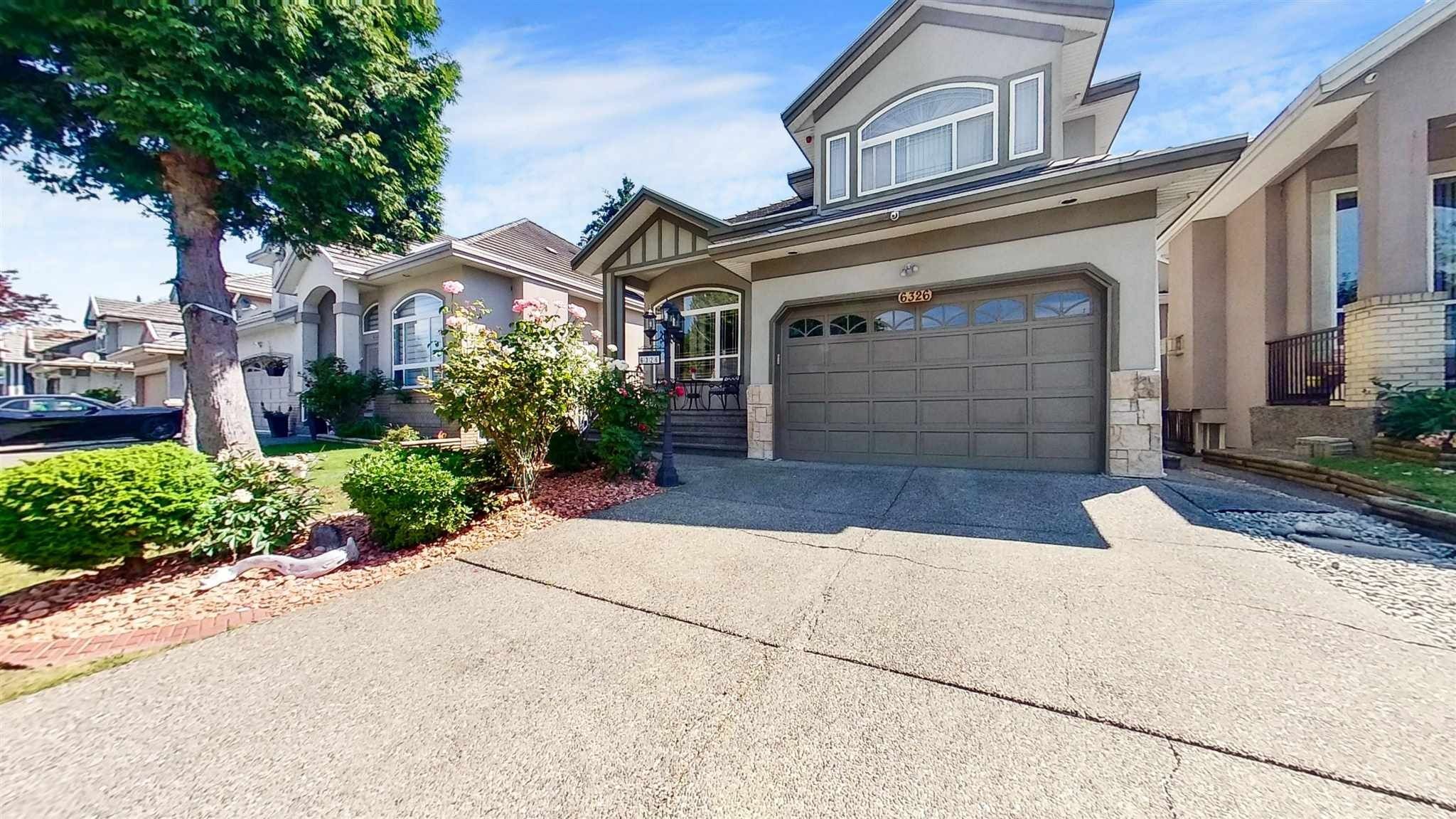 Main Photo: 6326 125A Street in Surrey: Panorama Ridge House for sale : MLS®# R2596698