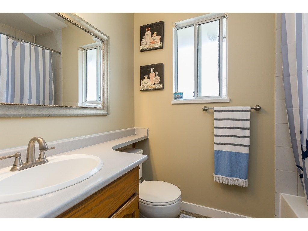 Photo 17: Photos: 35275 BELANGER Drive in Abbotsford: Abbotsford East House for sale : MLS®# R2558993