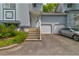 """Photo 3: 15 19252 119 Avenue in Pitt Meadows: Central Meadows Townhouse for sale in """"Willow Park 3"""" : MLS®# R2584640"""