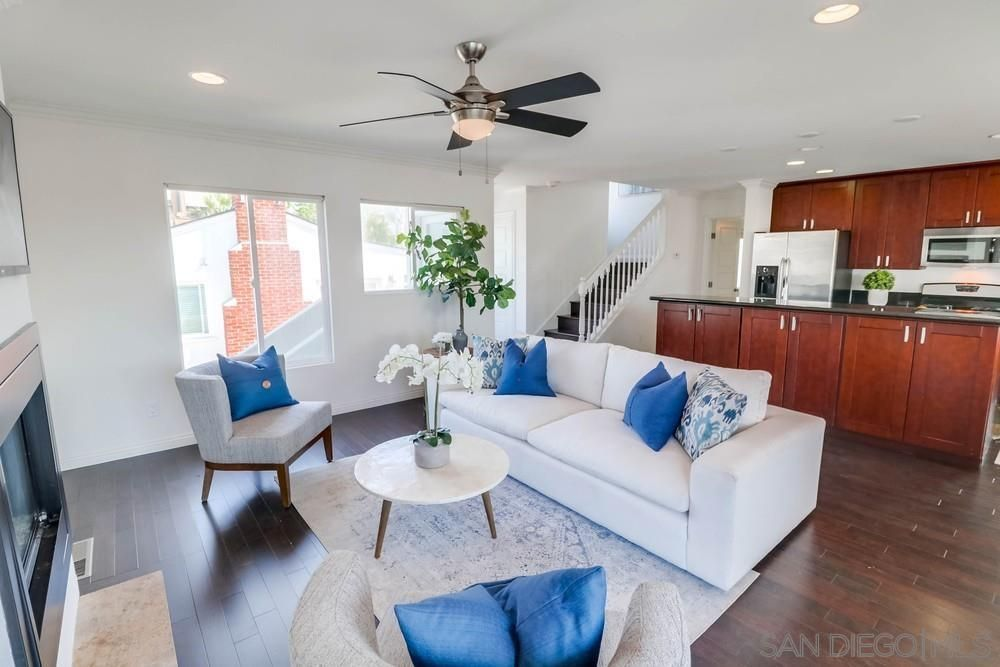 Main Photo: PACIFIC BEACH House for sale : 3 bedrooms : 1653 Chalcedony St in San Diego