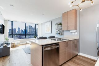 """Photo 10: 1409 977 MAINLAND Street in Vancouver: Yaletown Condo for sale in """"YALETOWN PARK 3"""" (Vancouver West)  : MLS®# R2595061"""