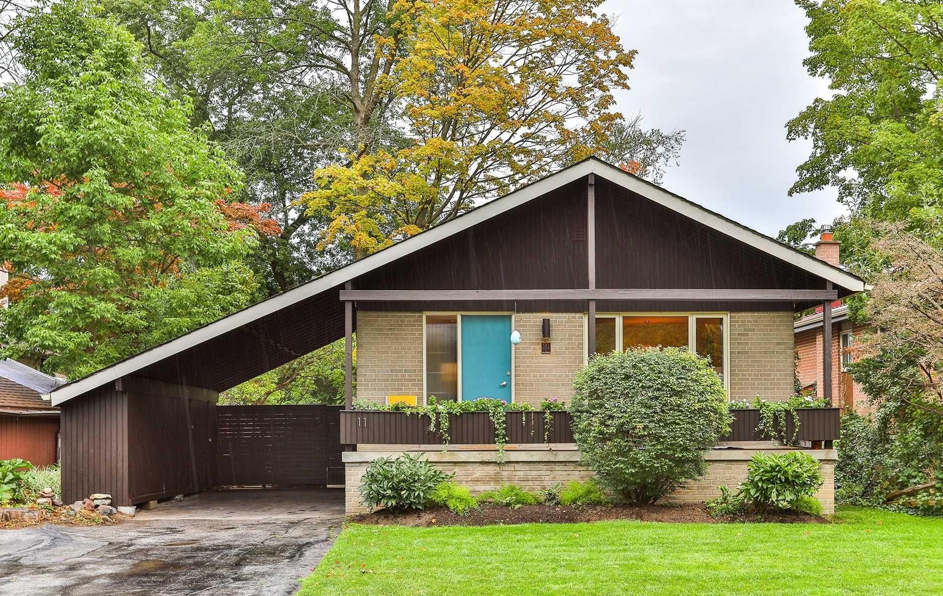 Main Photo: 11 Forsythia Dr in Toronto: Guildwood Freehold for sale (Toronto E08)  : MLS®# E4572181
