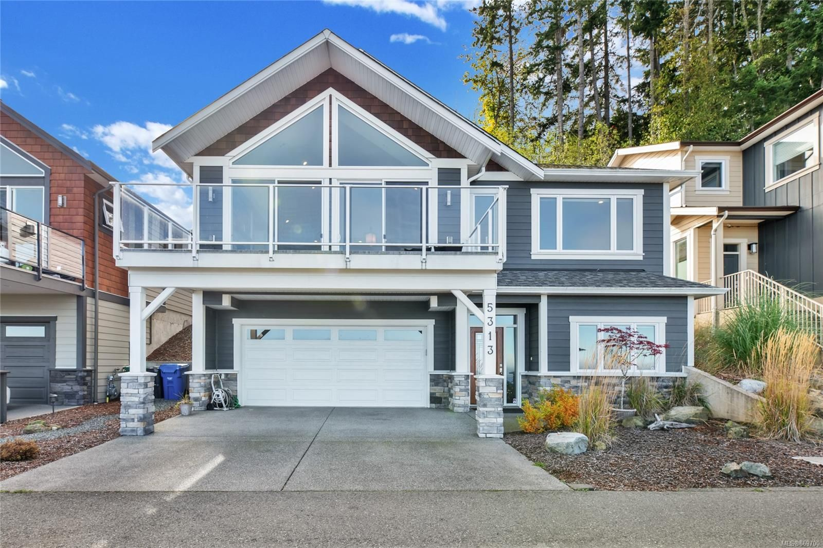 Main Photo: 5313 Royal Sea View in : Na North Nanaimo House for sale (Nanaimo)  : MLS®# 869700