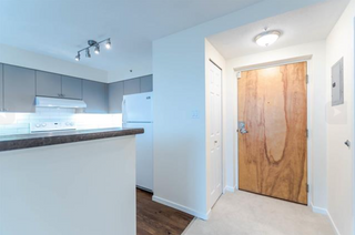 Photo 3: 707 1277 Nelson Street in Vancouver: West End VW Condo for sale (Vancouver West)  : MLS®# R2140105