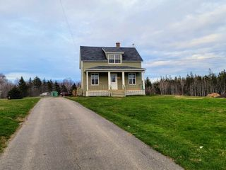 Photo 2: 419 Mitchell Avenue in Dominion: 203-Glace Bay Residential for sale (Cape Breton)  : MLS®# 202111083