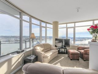 "Photo 3: 2501 888 CARNARVON Street in New Westminster: Downtown NW Condo for sale in ""MARINUS"" : MLS®# R2115352"